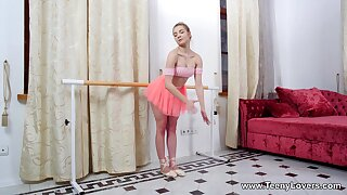 Ballerina rides and sucks the big impediment in dear modes