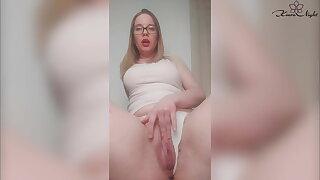Amazing Girl Passionately Jerks Say no to Wet Vagina On Camera