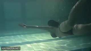 Super Hot Sister Anna Siskina With Obese Heart of hearts In The Swimming Pool